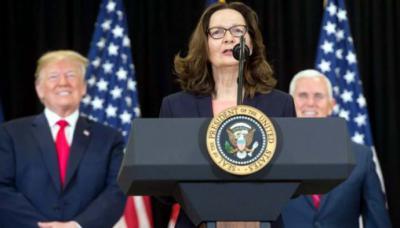 Gina Haspel jura como la primera mujer directora de la CIA.
