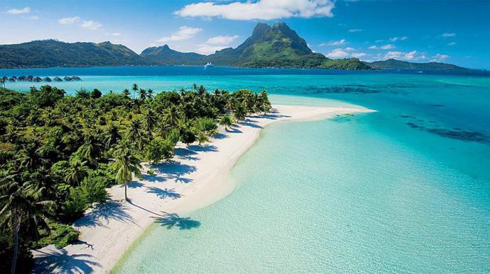 Playa de Matira en Bora Bora, Polinesia francesa