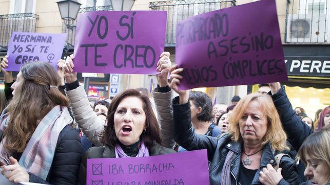 Concentración en Madrid en apoyo a la víctima de 'La manada' / MB