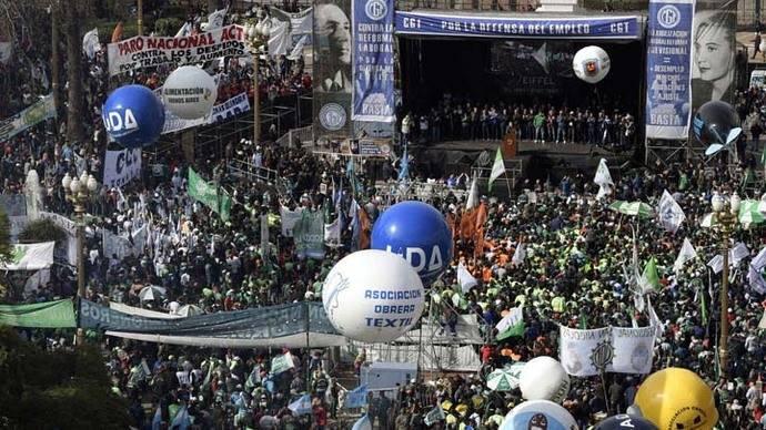 Centrales obreras argentinas planean huelga general contra Mauricio Macri
