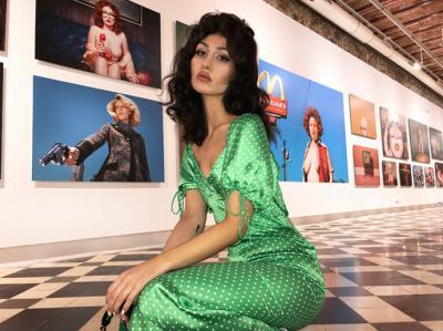 Nadia Lee Cohen presenta su primera gran exposición en La Térmica