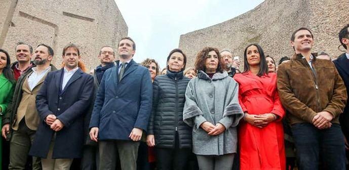 Las tres derechas en la foto de Colón