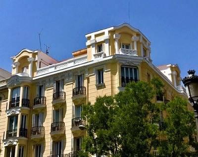 """Isabelle Hirschi: """"Ventanas, balcones y miradores de Madrid"""". Fotografía"""