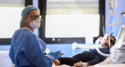 La difícil decisión sobre si dar o no respiración artificial a un paciente con coronavirus