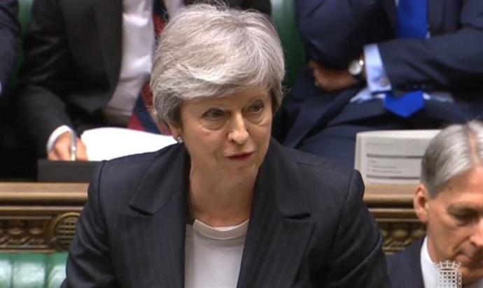 La primera ministra, Theresa May, durante la sesión de control en Londres