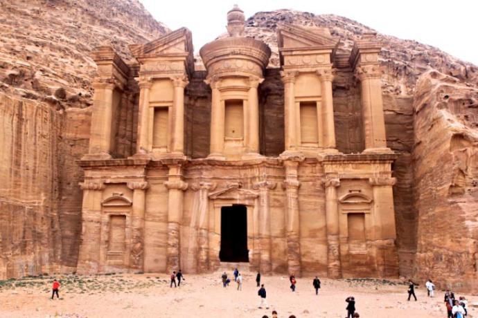 Petra, ciudad de piedra ablandada