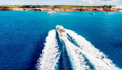 Consejos para alquilar un barco en Ibiza sin perder la cabeza en el intento
