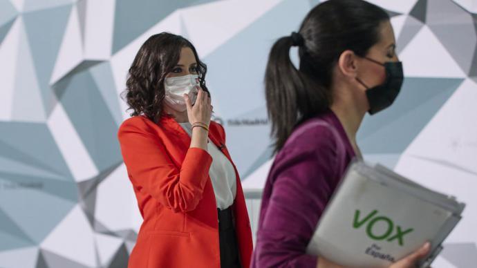 La candidata del PP, Isabel Díaz Ayuso, y la de Vox, Rocío Monasterio