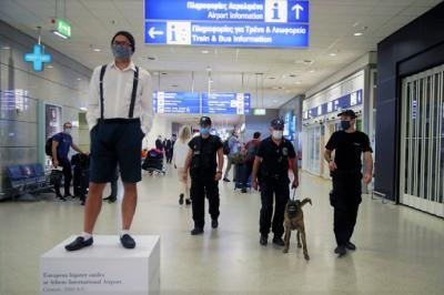 Grecia impone cuarentena y PCR negativa a las llegadas internacionales