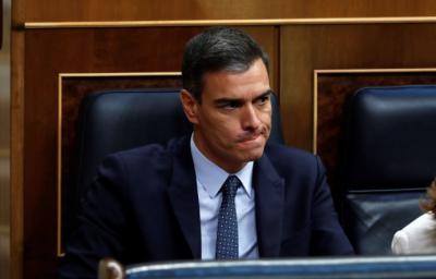 Pedro Sánchez, en su escaño, el segundo día del debate de investidura.