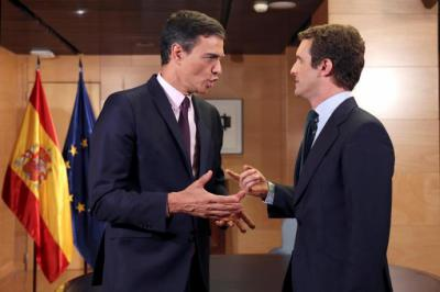 El presidente del Gobierno en funciones, Pedro Sánchez y el líder del PP, Pablo Casado