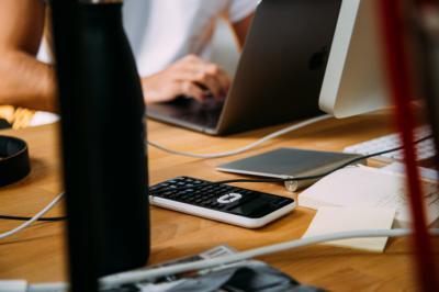 ¿Cómo puedo mejorar la gestión y la contabilidad de mi empresa?