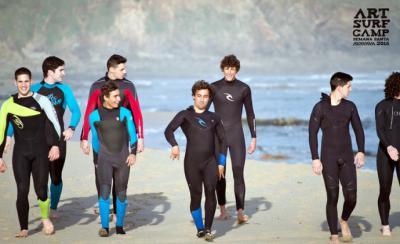 El auge de los surfcamps en Galicia