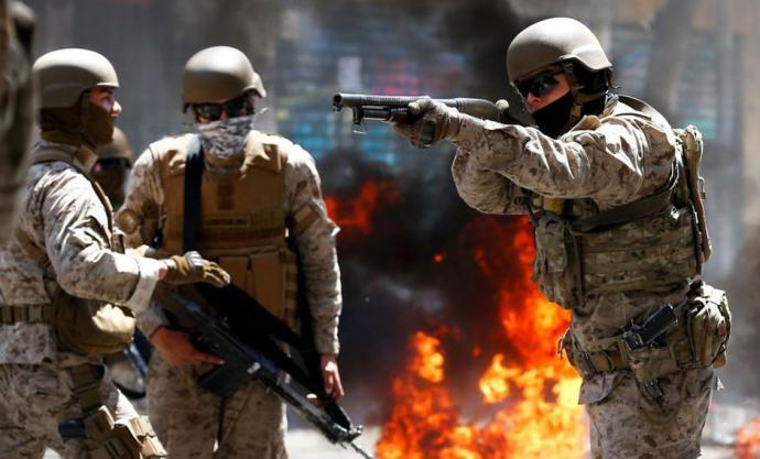 Chile: Presencia de militares en las calles revive pesadilla y evoca para algunos a la dictadura