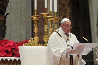 """El papa Francisco celebró hoy la sexta misa del Gallo de su pontificado y en su homilía reflexionó sobre el significado de la palabra Belén que, recordó, quiere decir """"casa del pan""""."""