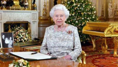 Reina Isabel II pide al pueblo británico mantenerse unido en las vísperas de Navidad