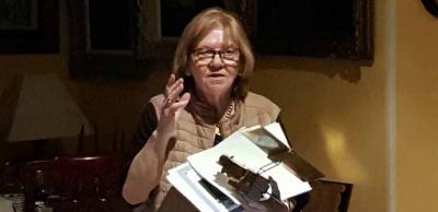 """Carmen Valero habla sobre """"Astronautas. 50 años de la llegada del hombre a la luna"""" en la Tertulia Ilustrada"""