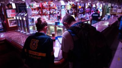 Un local en Baleares durante una inspección...
