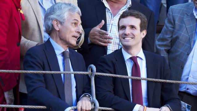 Adolfo Suárez Illana (i), número dos del PP por Madrid.