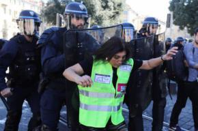 """Francia: La reciente y novedosa política de mano dura contra los """"chalecos amarrillos"""""""