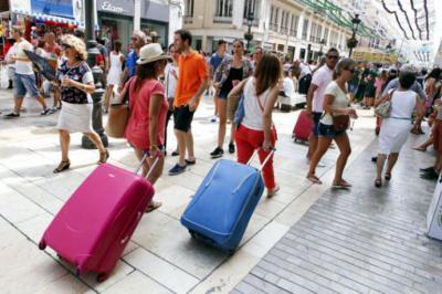 Se mantiene la estabilización del crecimiento del sector turístico español