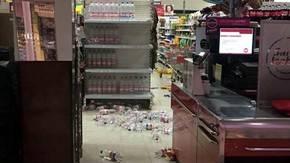 Un supermercado sufrió los estragos del movimiento sísmico...