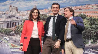 """Ayuso (i) y Almeida(d) el """"tándem de oro"""" según el PP"""