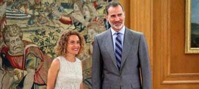 El rey Felipe VI durante la recepción a la presidenta del Congreso, Meritxell Batet, tras la investidura fallida de Pedro Sánchez como presidente del Gobierno, esta mañana en el Palacio de la Zarzuela