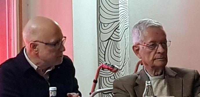 Manuel Toharia (i) y Germán Ubillos