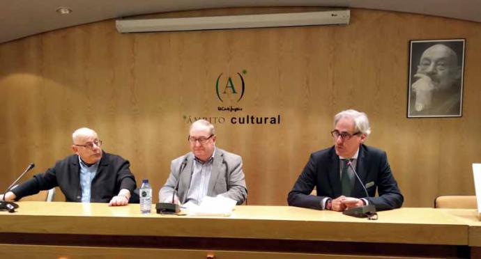"""Luis Ruiz Vega presentó su libro """"Pastelería de Cantabria"""""""