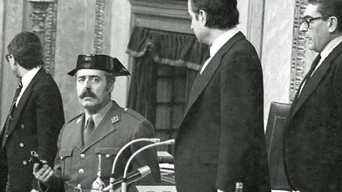 El teniente coronel Antonio Tejero en el Congreso de los Diputados, en 1981. EFE