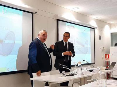En la imagen Fernando Fraile, director general del ICTE,  junto a Toni Pérez, Alcalde de Benidorm.