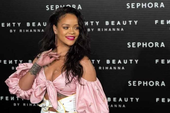 Rihanna deslumbra en Madrid en la presentación sorpresa de sus cosméticos