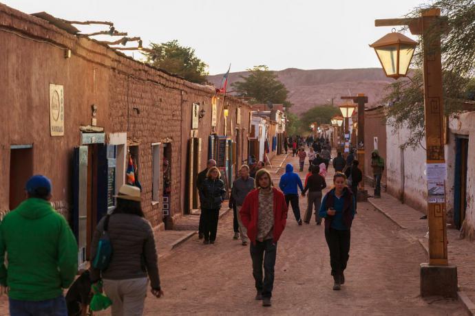 Cineasta danés creó video que invita a viajar a Chile
