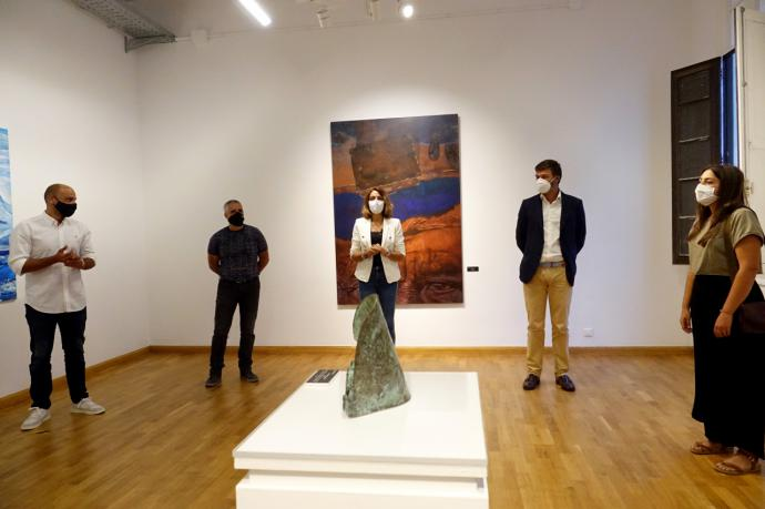 El Ayuntamiento de Santa Cruz de Tenerife inauguró la exposición de la Bienal Regional de Artes Plásticas