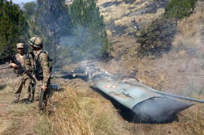 Desde ayer el gobierno pakistaní acusó a India de haber derribado uno de sus aviones.