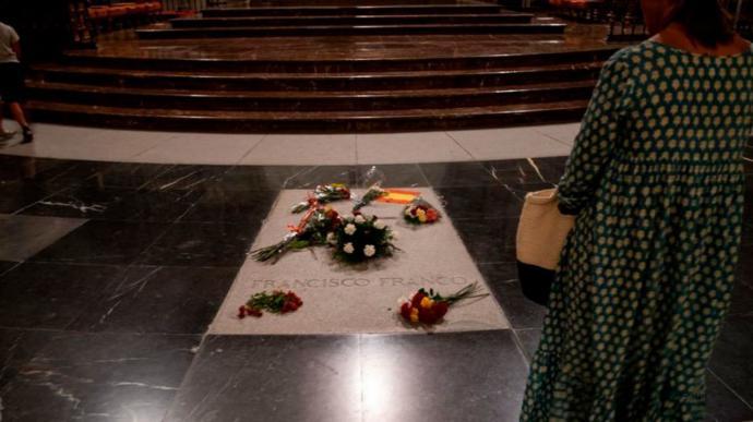 Un segundo juez rechaza suspender la licencia para exhumar a Franco: 'La actuación urbanística no implica lesión'