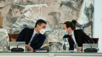 Pedro Sánchez y Pablo Iglesias durante la reunión del Consejo de Ministros el martes.Borja Puig de la Bellacasa (Moncloa)