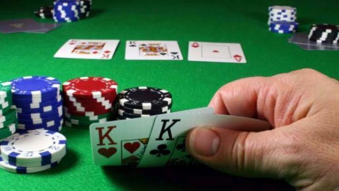 El Texas Holdem Poker es hoy mismo, el más popular juego de cartas