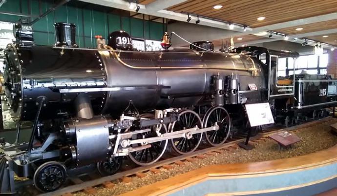 El Museo del Ferrocarril de Sacramento muestra 21 locomotoras que cruzaron los EEUU.