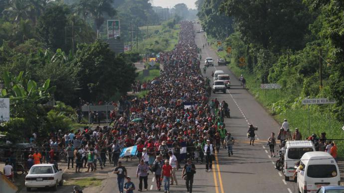 Guatemala halló 199 migrantes de África y Haití en la caravana de hondureños