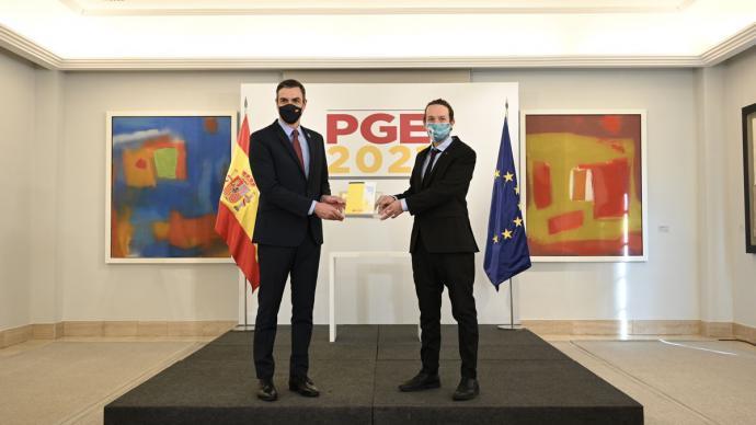 Pedro Sánchez y Pablo Iglesias durante la presentación de los Presupuestos Generales del Estado de 2021.Pool Moncloa/Fernando Calvo, JM Cuadrado y Borja Puig de la Bellacasa