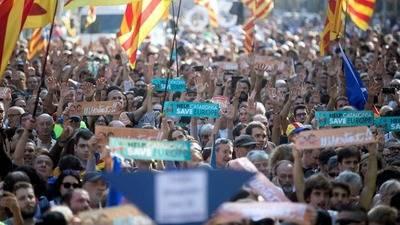 Parlamento de Cataluña declara la independencia de forma unilateral