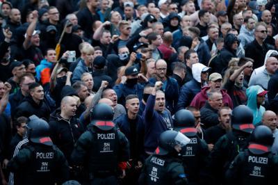 Manifestantes de la ultaderecha en Chemnitz, Alemania.