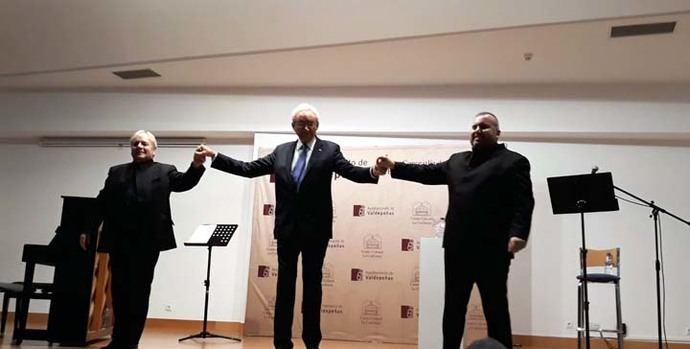 Vibrante actuación de Luis del Olmo, Luis Santana y Antonio López Serrano, en la lectura de poemas de Miguel Hernández