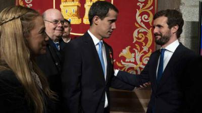 Juan Guaidó (i) y Pablo Casado