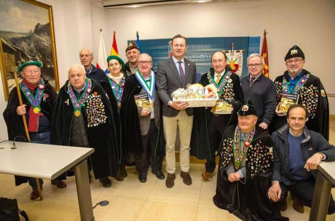 """Presentado el libro """"Los quesos de Cantabria"""" de Pedro Arce."""