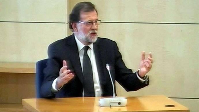 El escándalo de corrupción que envuelve a Mariano Rajoy