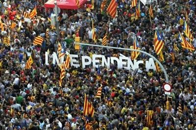 Separatistas catalanes presentan columna vertebral de su proceso de independencia de España