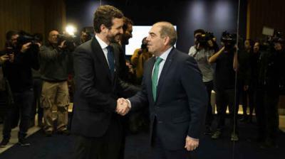 Pablo Casado y el presidente de ATA, Lorenzo Amor, este miércoles.PP